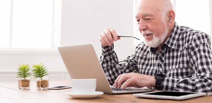 18 Internet Safety Tips for Seniors