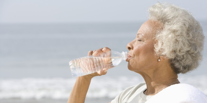Staying Hydrated in the Summer Heat: 7 Tips for Seniors